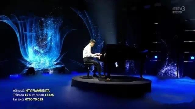【我在芬兰】第07集-Tong-那天我在芬兰达人秀上弹钢琴!